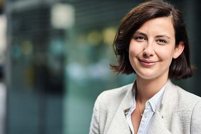 Alicia Loates SRM finance recruitment